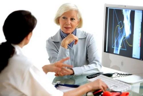 Почему остеопороз при климаксе