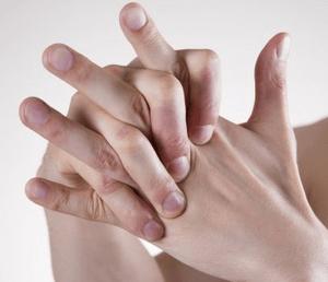 Что делать, если хрустят суставы