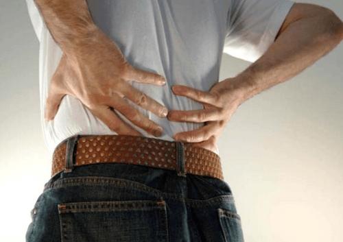 Симптомы межпозвоночной грыжи в поясничном отделе