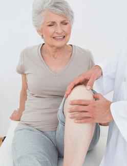 Болят колени. Чем лечить? Традиционные и народные средства