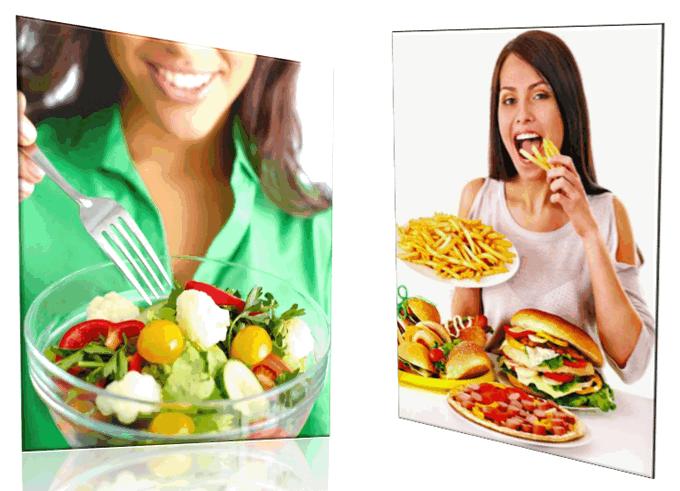 Девушка ест полезную еду: овощной салат. Другая девушка ест вредную еду: fastfood