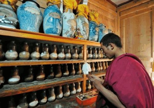 Тибетская медицина - приготовление фитопрепаратов